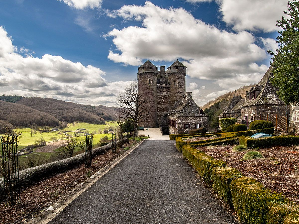 Chateau anjony tournemire cantal